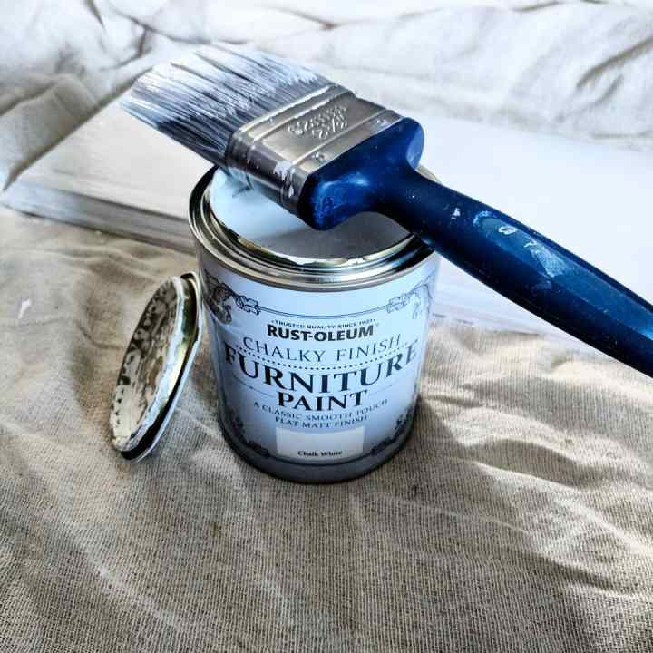 Rustoleum Chalk Paint in Chalk White
