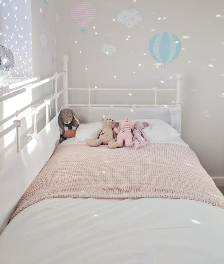 Breathable bumper for toddler bed